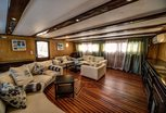 Lounge Liveaboard MY Independence II