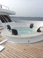 Relaxing at the pool on Liveaboard MV Leo