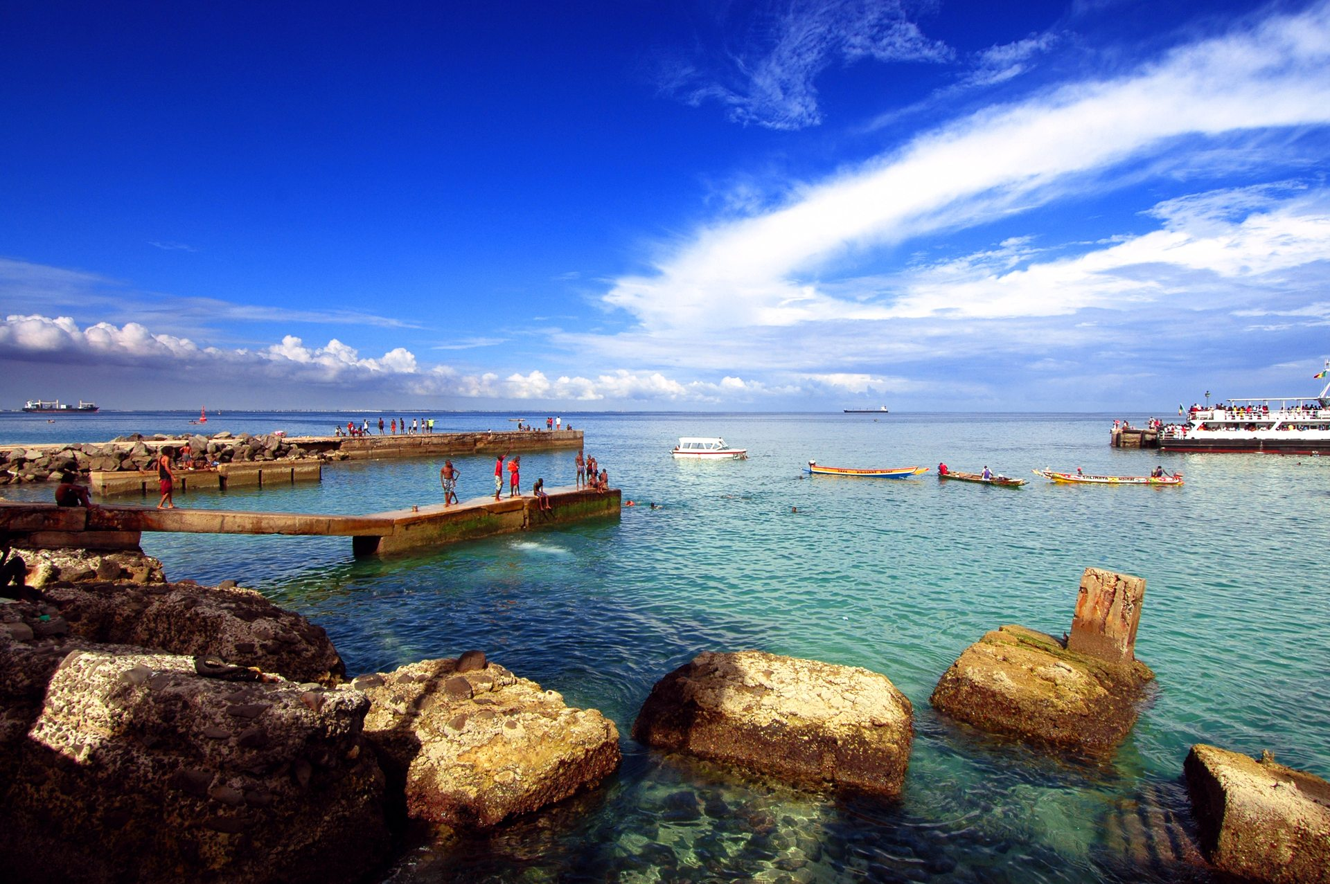 BOOK A DIVE VACATION IN AfricaFind a