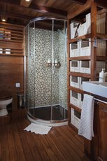 Private bath Cabin Liveaboard Samata